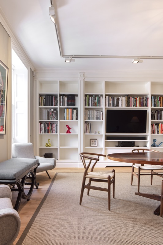 Project number 2536 - A new bookcase provides stylish additional storage